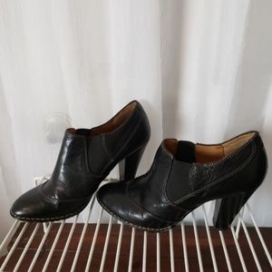 """Sofft Black Leather Ankle Bootie Shoes Heels 4"""""""